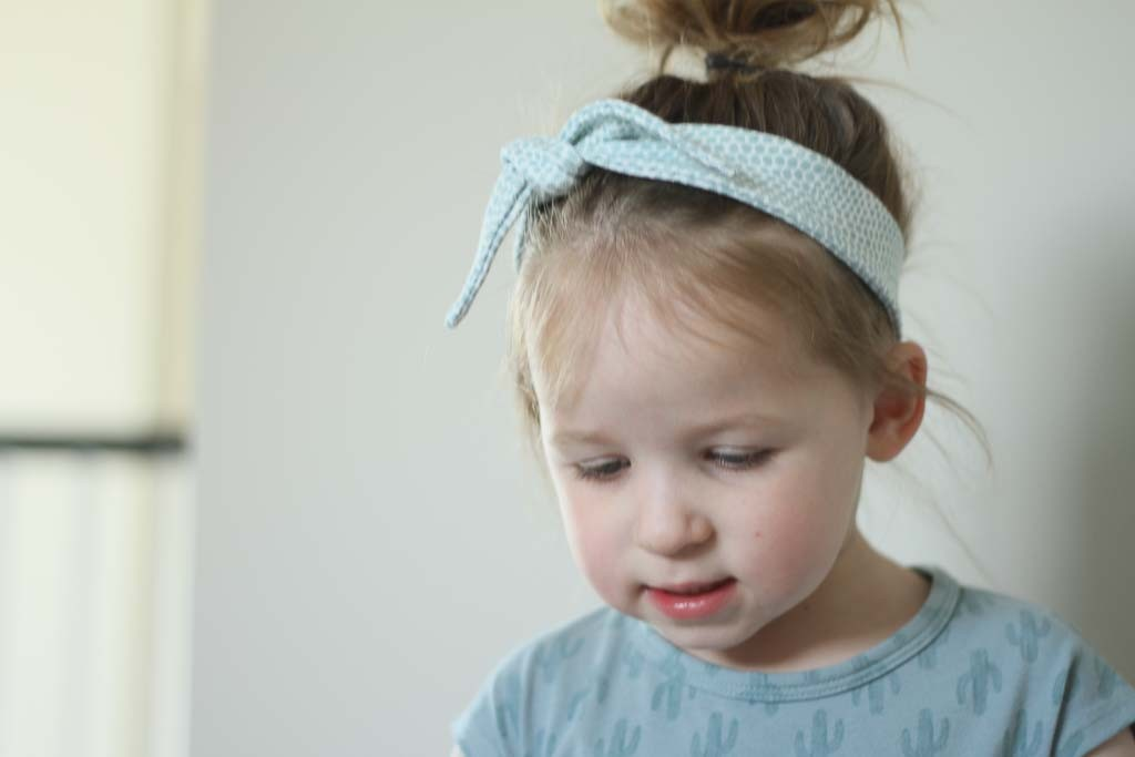 BAMBOO KNOTTED HEADBAND Grey Stripe